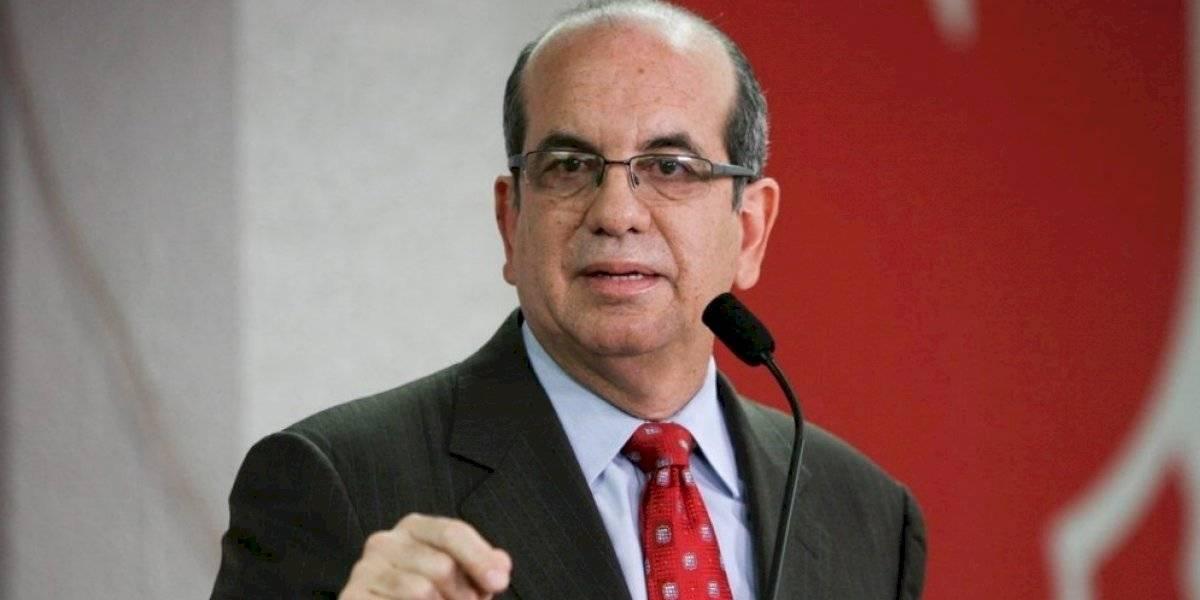 Acevedo Vilá pide al secretario de Justicia de EE.UU. no aprobar fondos para el plebiscito