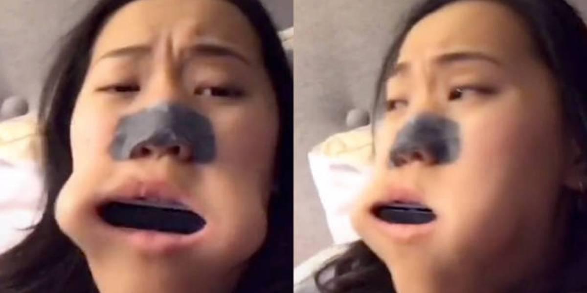Jovem se torna viral no TikTok depois de ficar com uma gaita entalada na boca