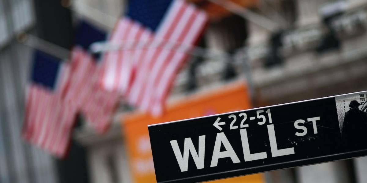 Wall Street cierra en baja ante temores de virus en China