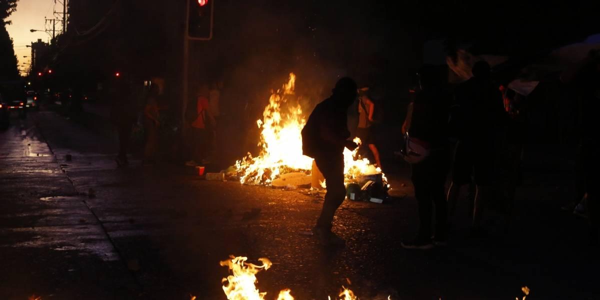 Cuatro carabineros terminan heridos con bala y perdigones durante noche de protestas en Melipilla