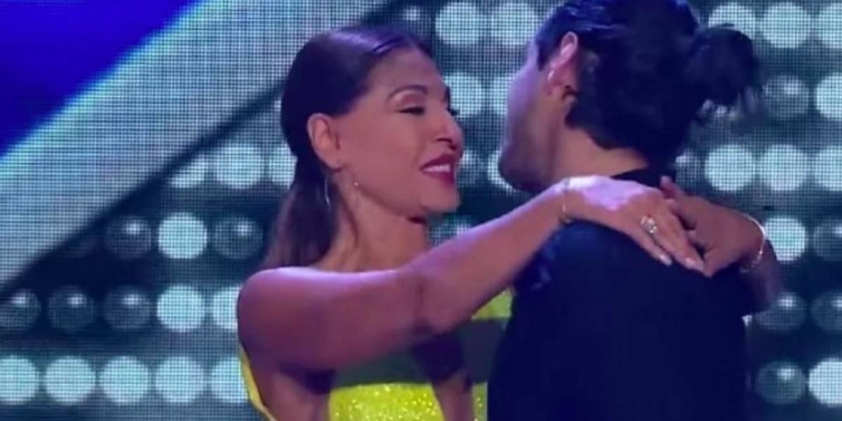 Amparo Grisales no pudo contenerse y le robó un beso a Ricardo Arjona en 'Yo me llamo'