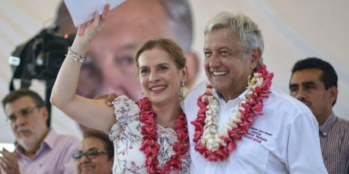 Un honor volar con Obrador: Beatriz Gutiérrez tras incidente en avión