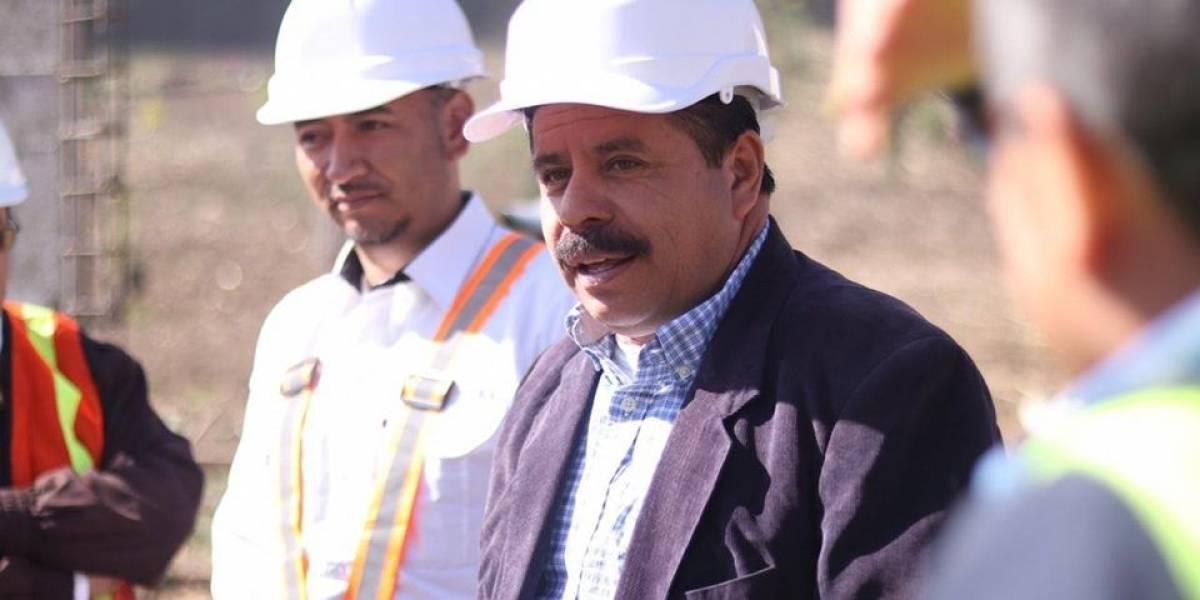 Alcalde de Xela ayuda a los Bomberos Voluntarios para seguir especialización