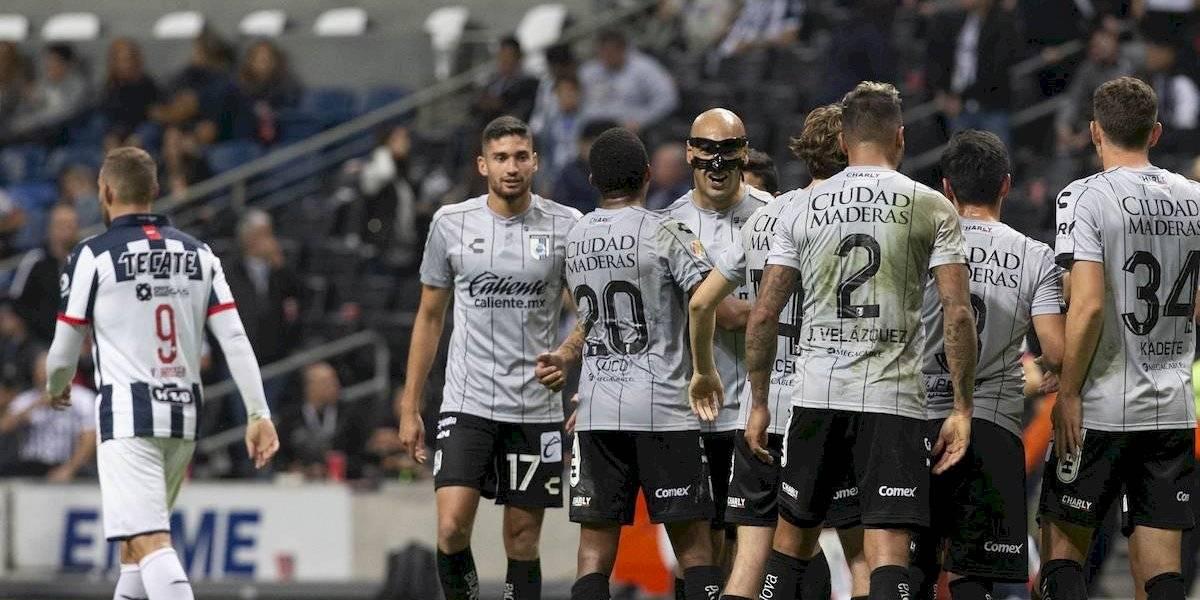 Rayados sufre de 'campeonitis' y cae en casa ante Querétaro