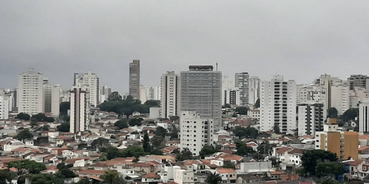 Previsão do Tempo: temperatura amena e céu nublado em São Paulo neste sábado