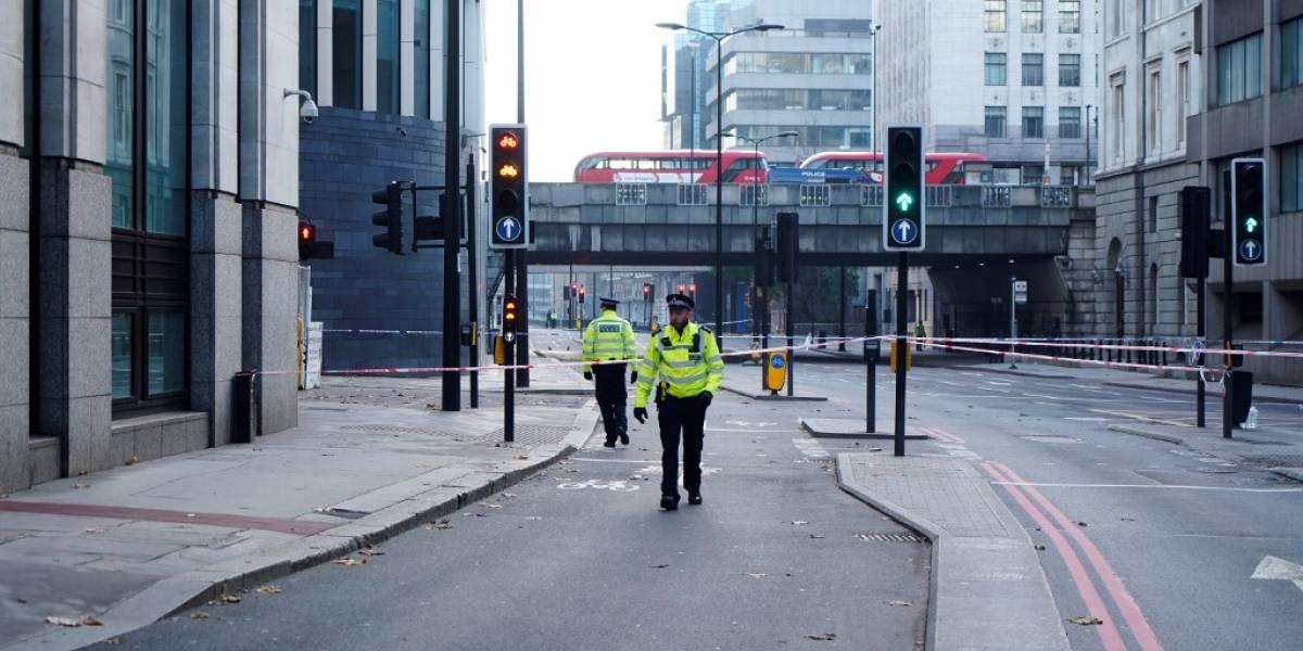 """Tres heridos y el atacante muerto enacto""""terrorista""""en Londres"""