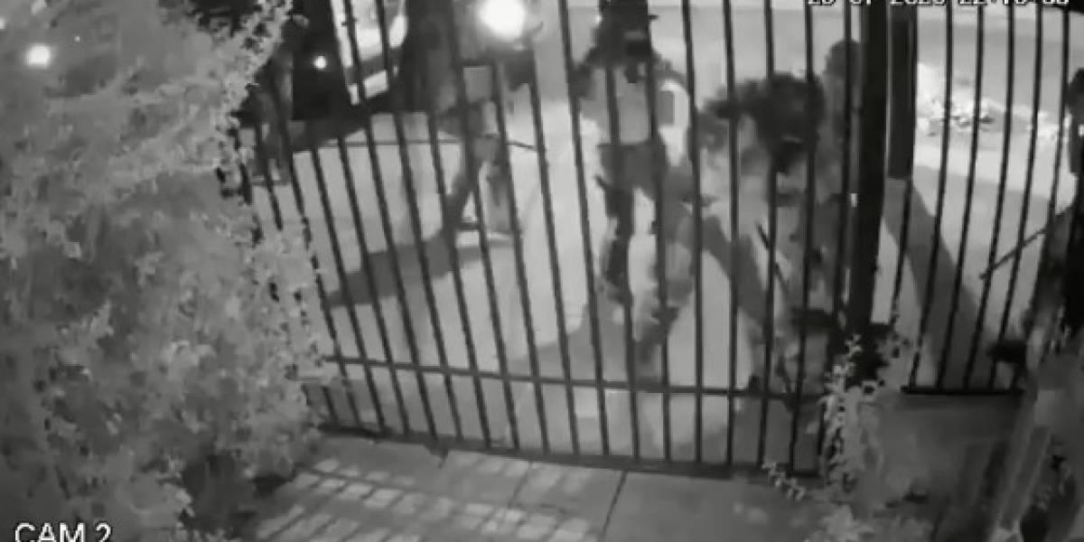 """""""Arrancaron como ratas. Le pegaron y salieron arrancando"""": madre de joven entrega detalles de agresión por parte de carabineros"""