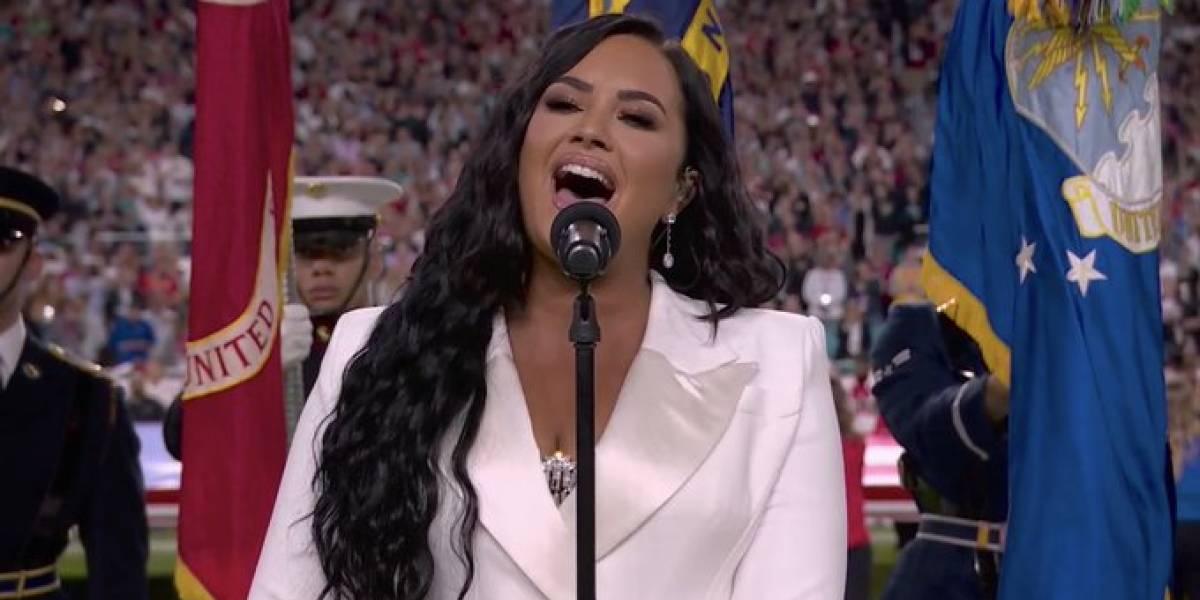 Demi Lovato estremece al público del Super Bowl  al entonar el himno nacional de los Estados Unidos