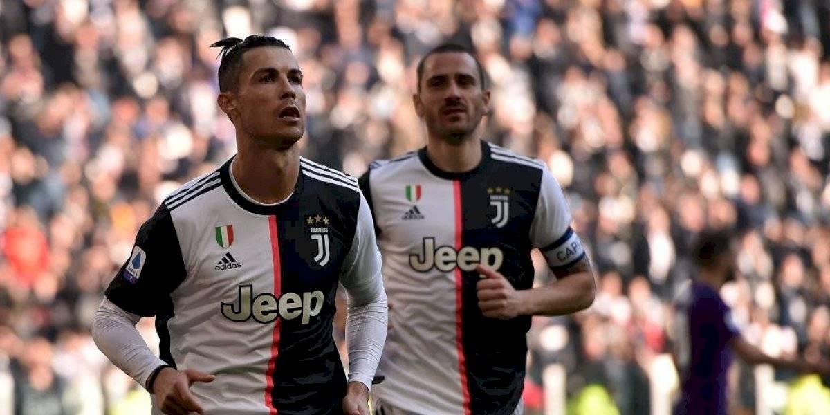 El gigantesco muñeco de Cristiano Ronaldo que causa sensación en Italia