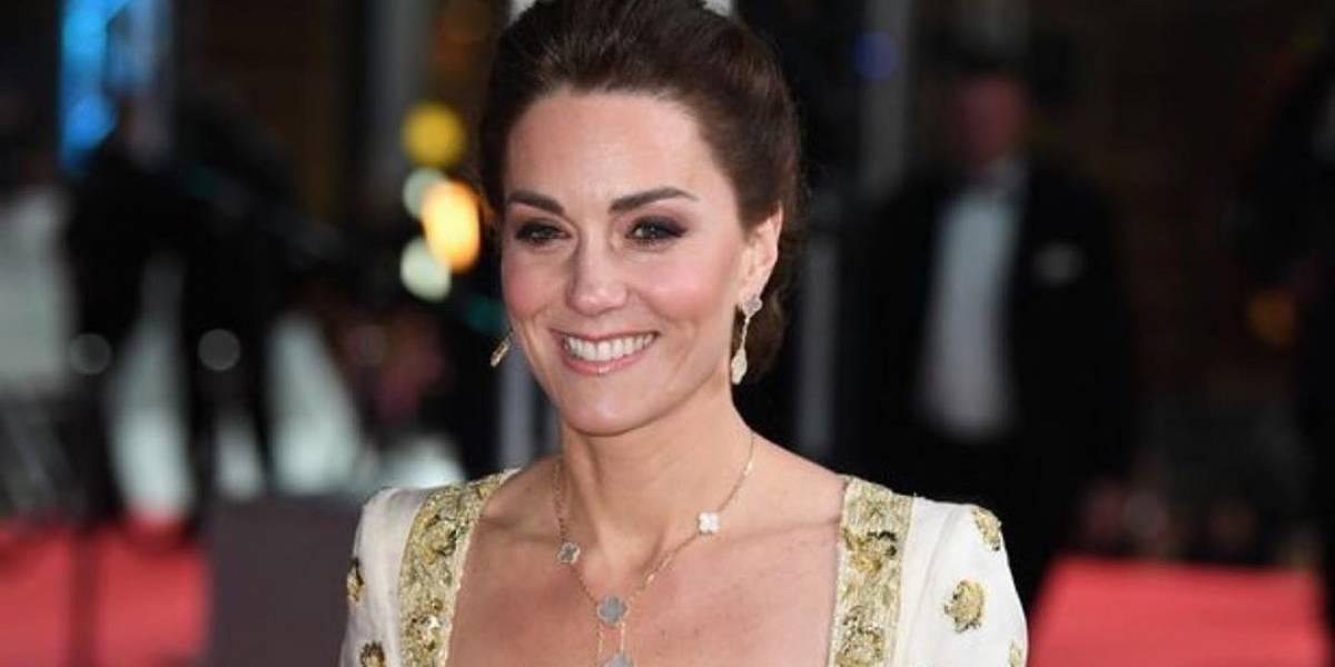 Kate Middleton brilló en los premios Bafta 2020 luciendo un vestido bordado en oro
