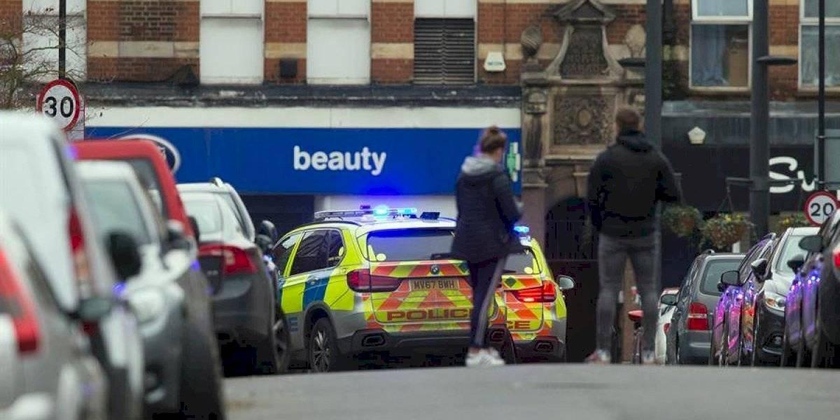Abaten a terrorista en Londres tras apuñalar a dos personas