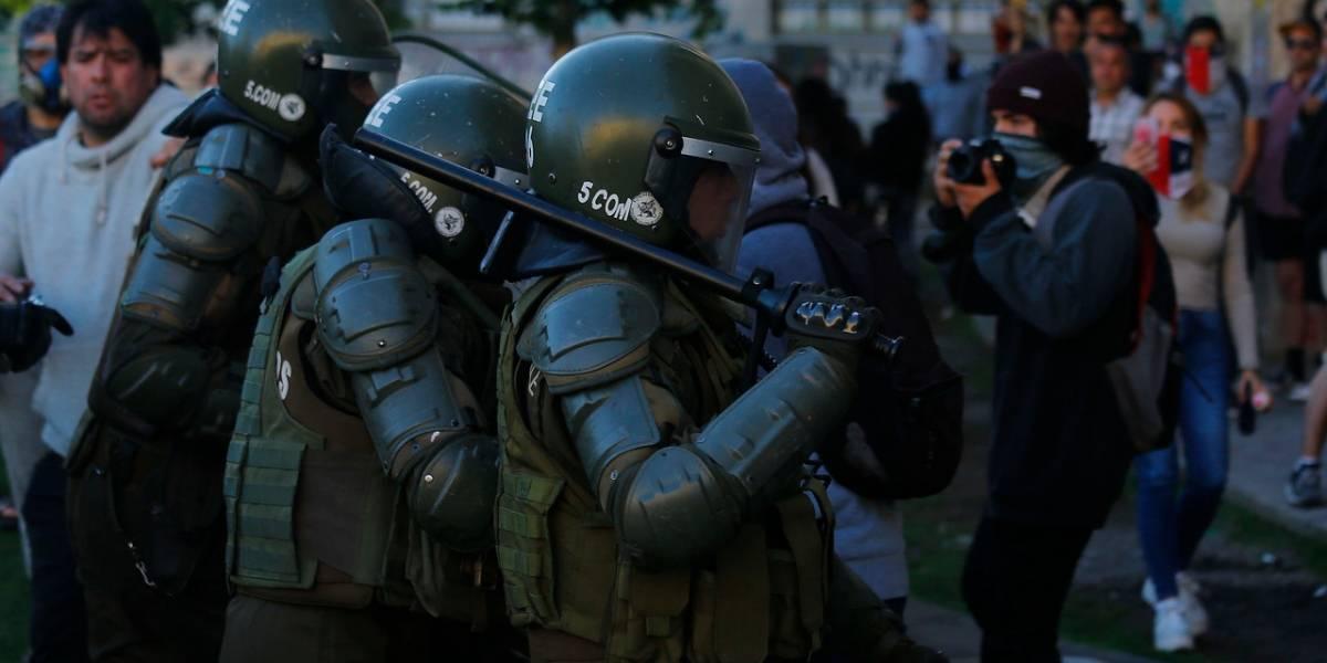 A Carabineros le llegó marzo: reentrenarán a 2.600 policías