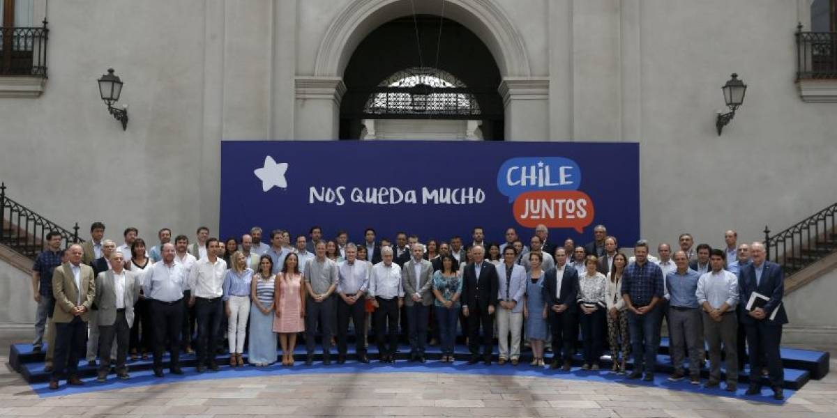 """""""Nos queda mucho Chile juntos"""" ¿Es un buen slogan?"""