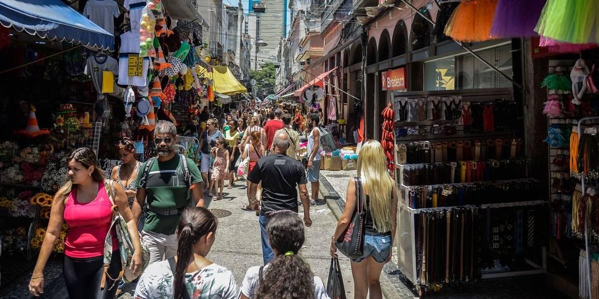 Inmetro alerta consumidores sobre compras para o carnaval
