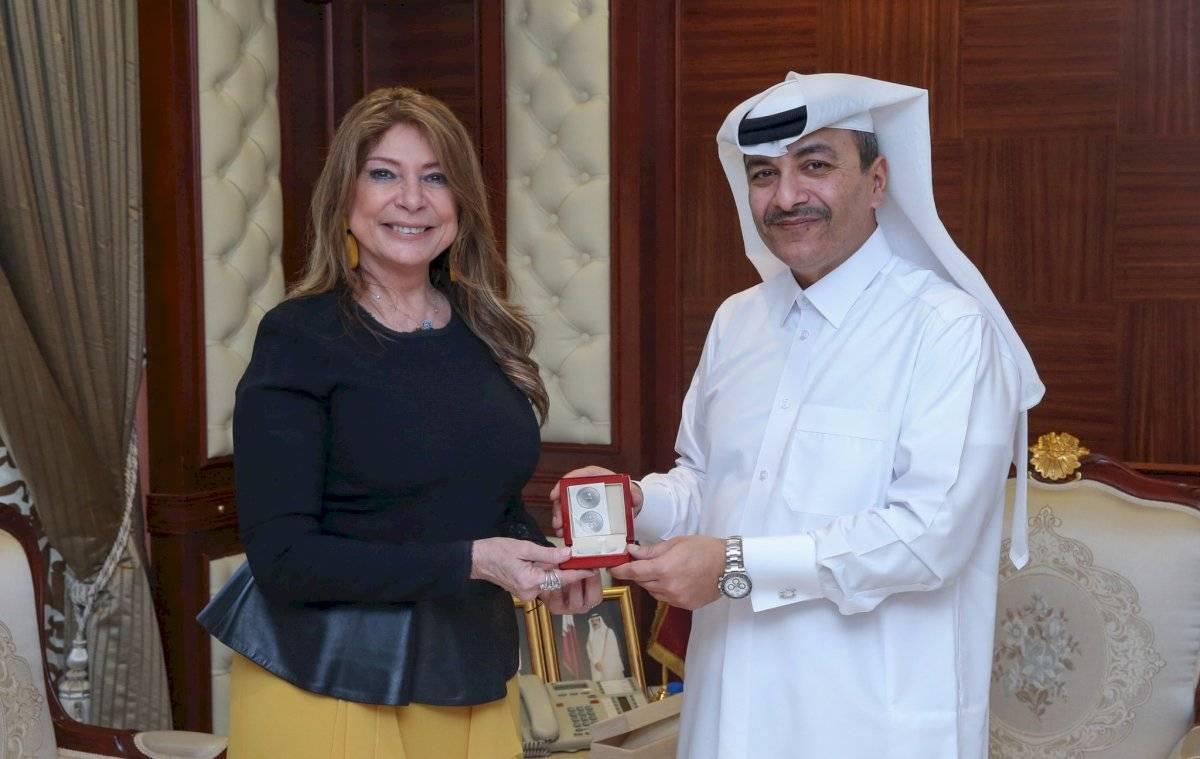 Ivonne Baki en la embajada de Ecuador en Qatar Twitter/ Ivonne Baki