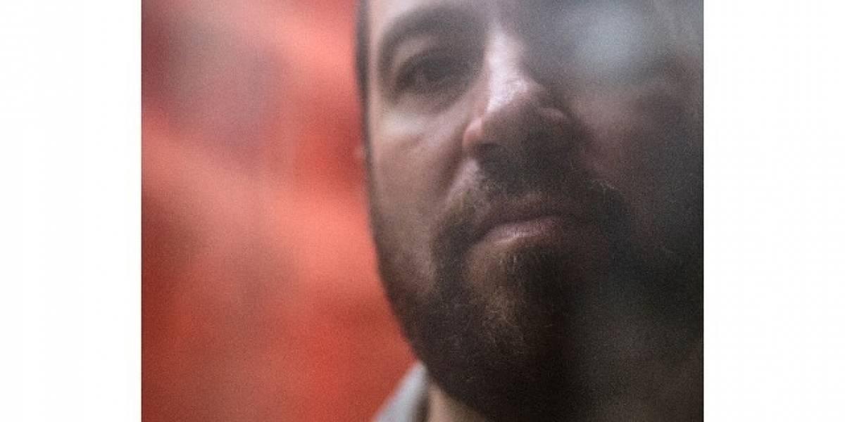 Kiko Dinucci exalta a poética do som acústico em 'Rastilho'