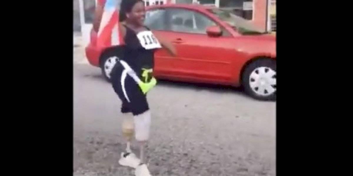 Joven con prótesis en sus piernas inspira tras completar Maratón San Blas 2020