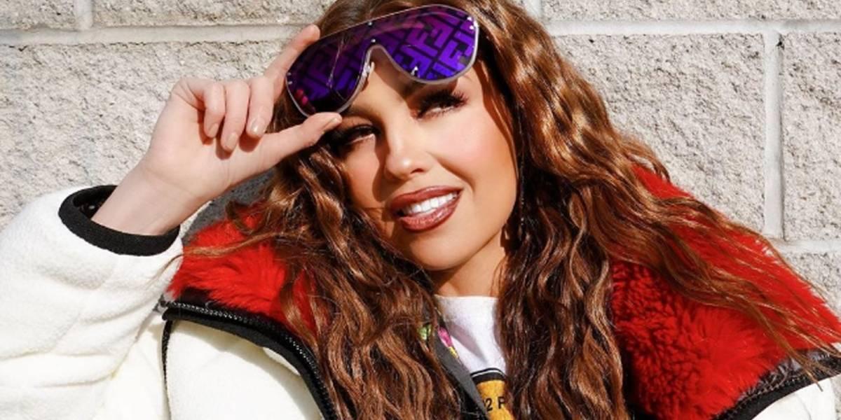 Thalía encendió las redes al mostrar su flexibilidad en una candente sesión de ejercicios