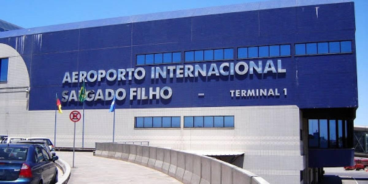 Passageiro morre e vôo faz pouso emergencial em Porto Alegre