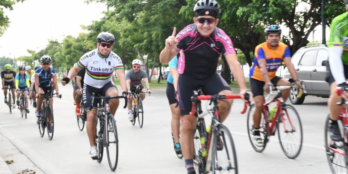 Familias participaron en la 'Samborondón en bici