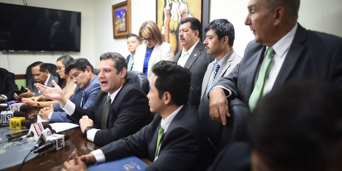 Pugnas en la UNE se evidencian con intento de expulsar a Sandra Torres