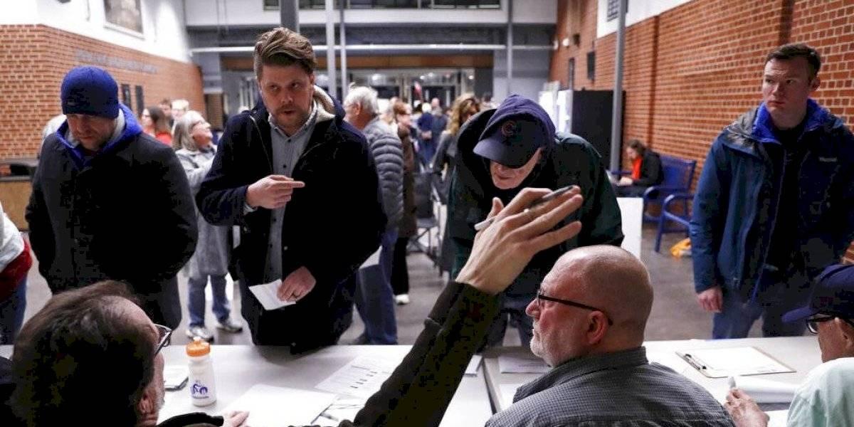 Revés demócrata: resultados de caucus en Iowa se demoran