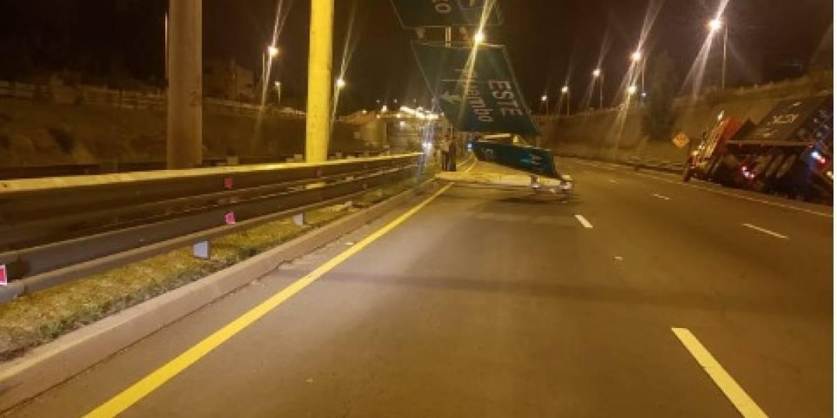 Accidente de tránsito en la Ruta Viva en el sector Tumbaco