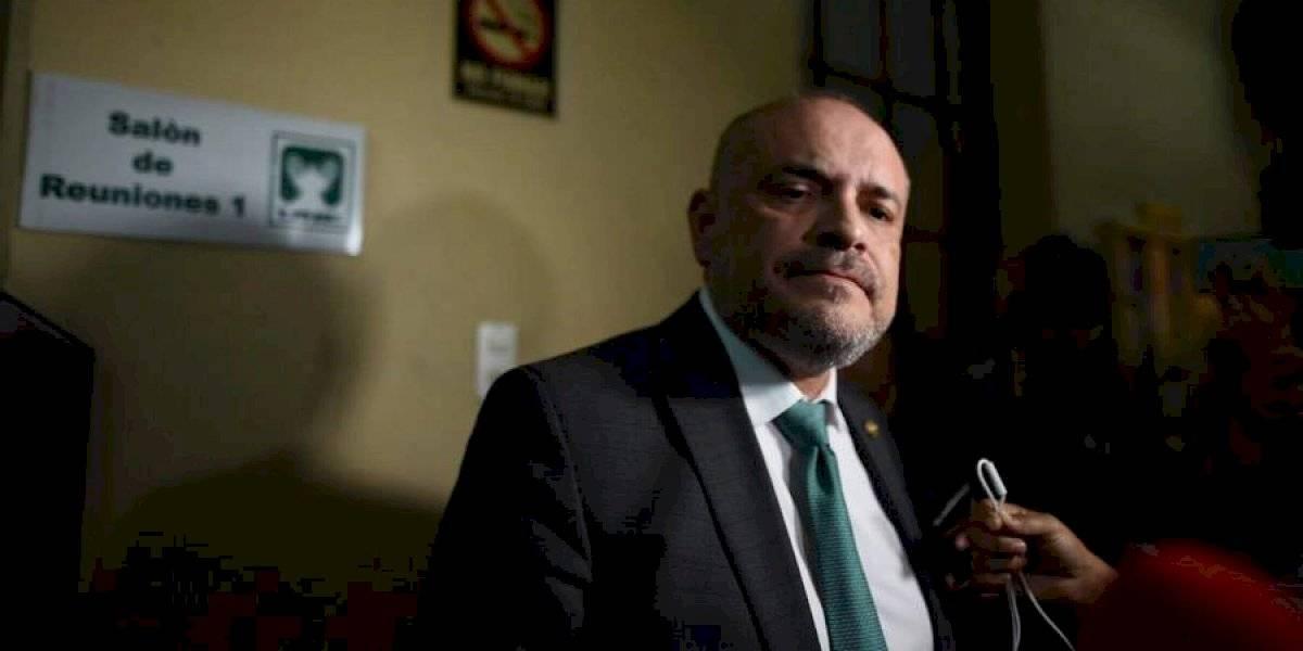 Retiran al diputado Estuardo Vargas como subjefe de bloque de la UNE