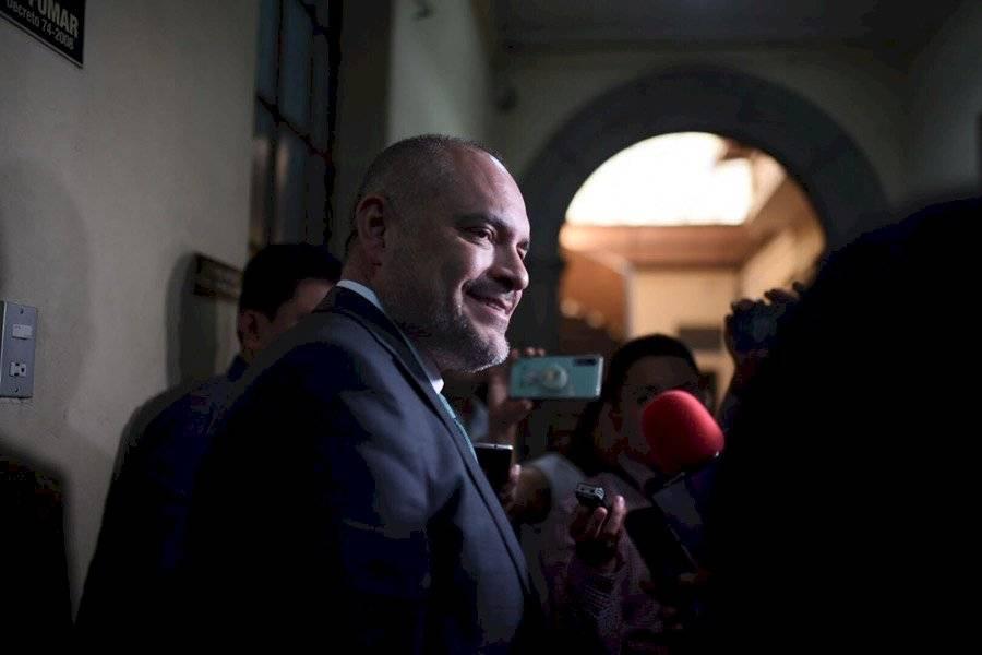 El diputado Estuardo Vargas informó que no renunciará a la UNE