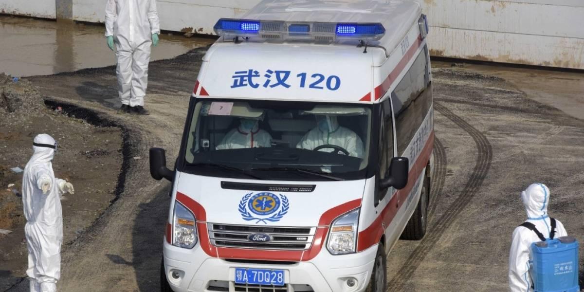 Hospital chino construido en tiempo récord recibe a sus primeros pacientes