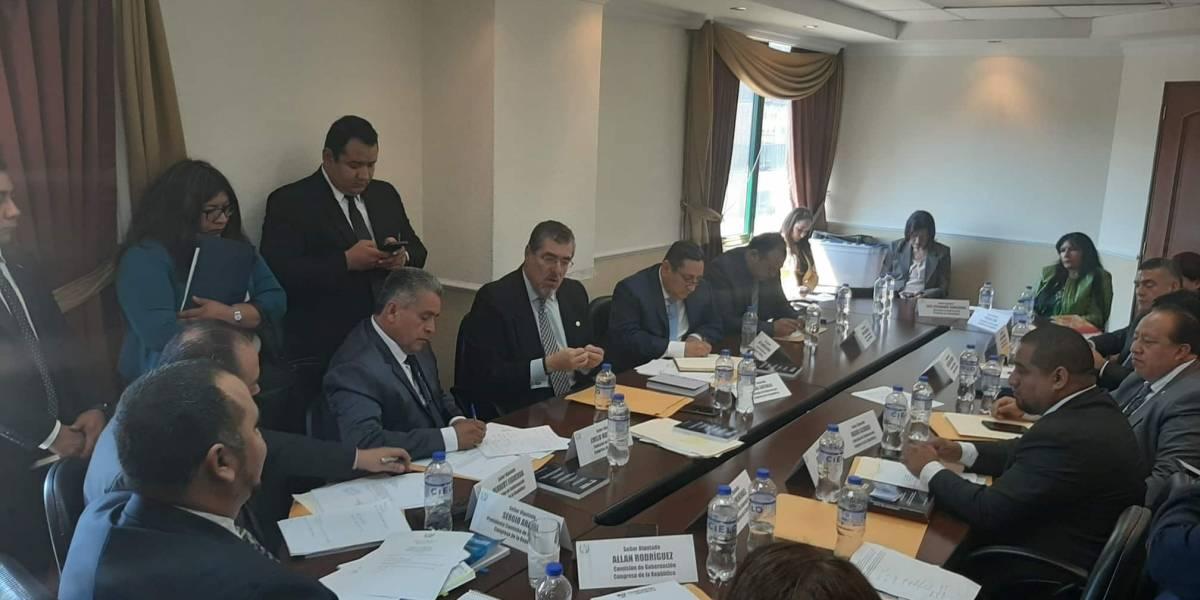 Definen detalles de la iniciativa de ley antimaras de Giammattei
