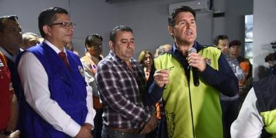Alcalde Ricardo Quiñónez durante el simulacro de terremoto.