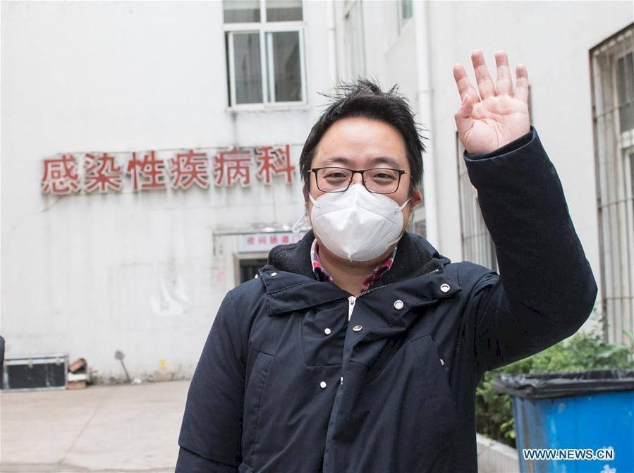 Trabajador médico, diagnosticado con neumonía por coronavirusfue dado de alta Xinhua/Xiao Yijiu