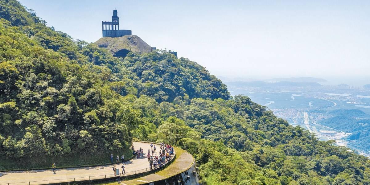 Trilhas na serra do mar permitem que visitantes conheçam história e vegetação nativa de São Paulo