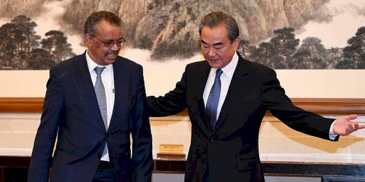 Presidente de la OMS bromea con coronavirus en plena emergencia mundial