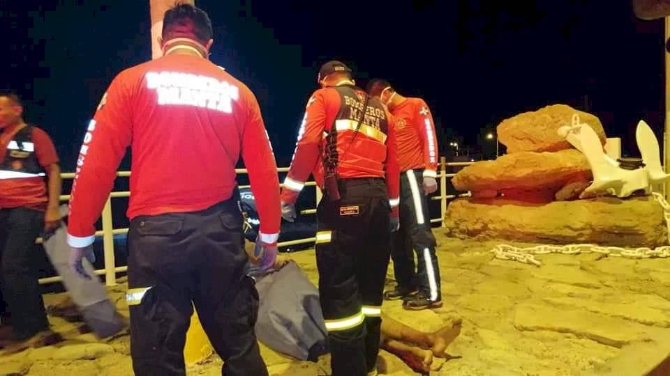 Tres fallecidos y cinco afectados por escape de gas de embarcación en Jaramijó Cuerpo de Bomberos Jaramijó
