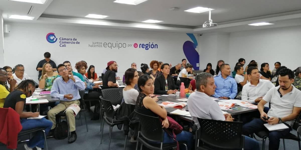 Emprendedores caleños participaron en 'Emprendetón naranja'