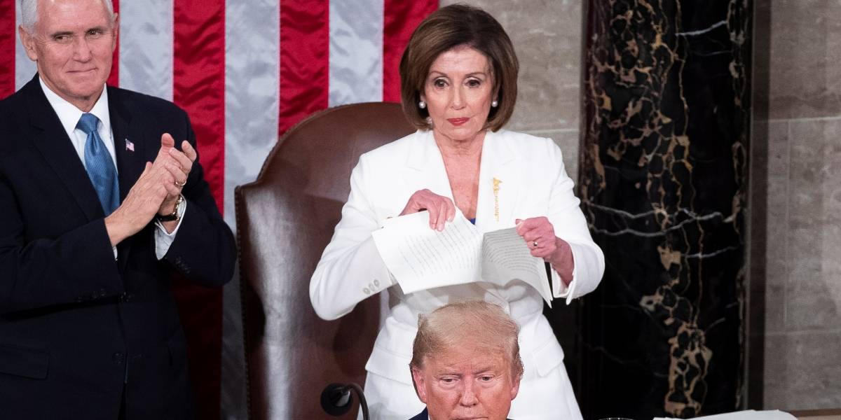 Nancy Pelosi rompe el discurso de Donald Trump
