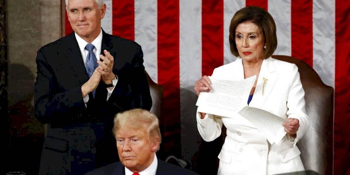 Así se desquitó Nancy Pelosi luego que Trump rechazara su saludo
