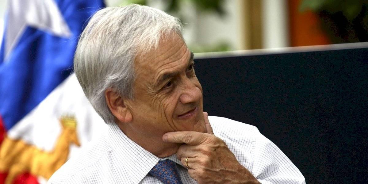 """Presidente Piñera inició sus vacaciones """"atento y monitoreando los hechos que suceden en el país"""""""