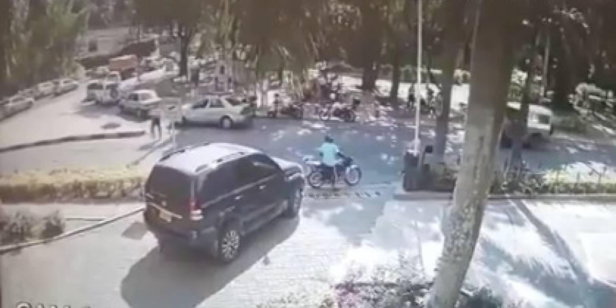 Capturan a menor de edad que atacó a un agente de tránsito