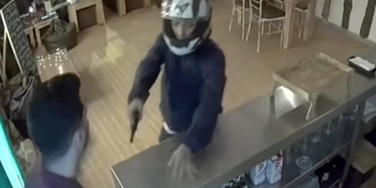 Tendero disparó a sujeto que se habría entrado a robar a su establecimiento comercial
