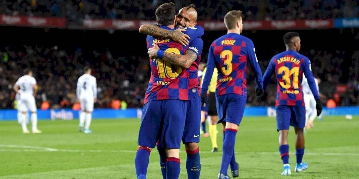 """El Barcelona arde por polémica Abidal-Messi, pero Vidal escapa de las llamas: """"Si hay algo que no se le puede reprochar, es el trabajo"""""""