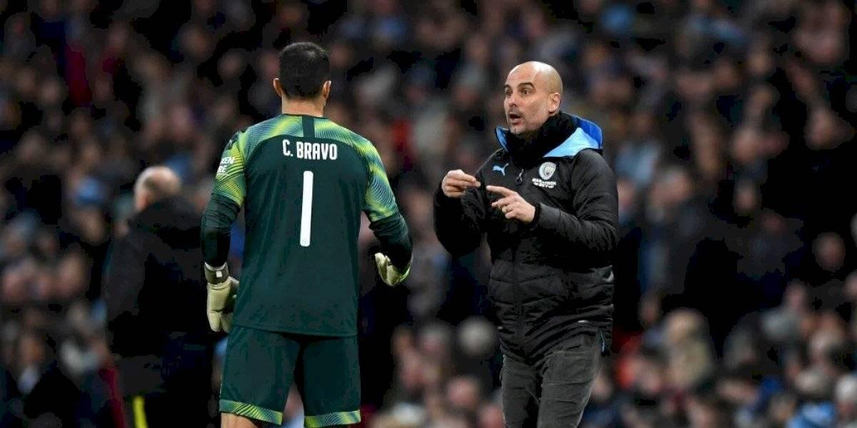 En Inglaterra aseguran que Claudio Bravo encabezaría poda masiva de jugadores en Manchester City