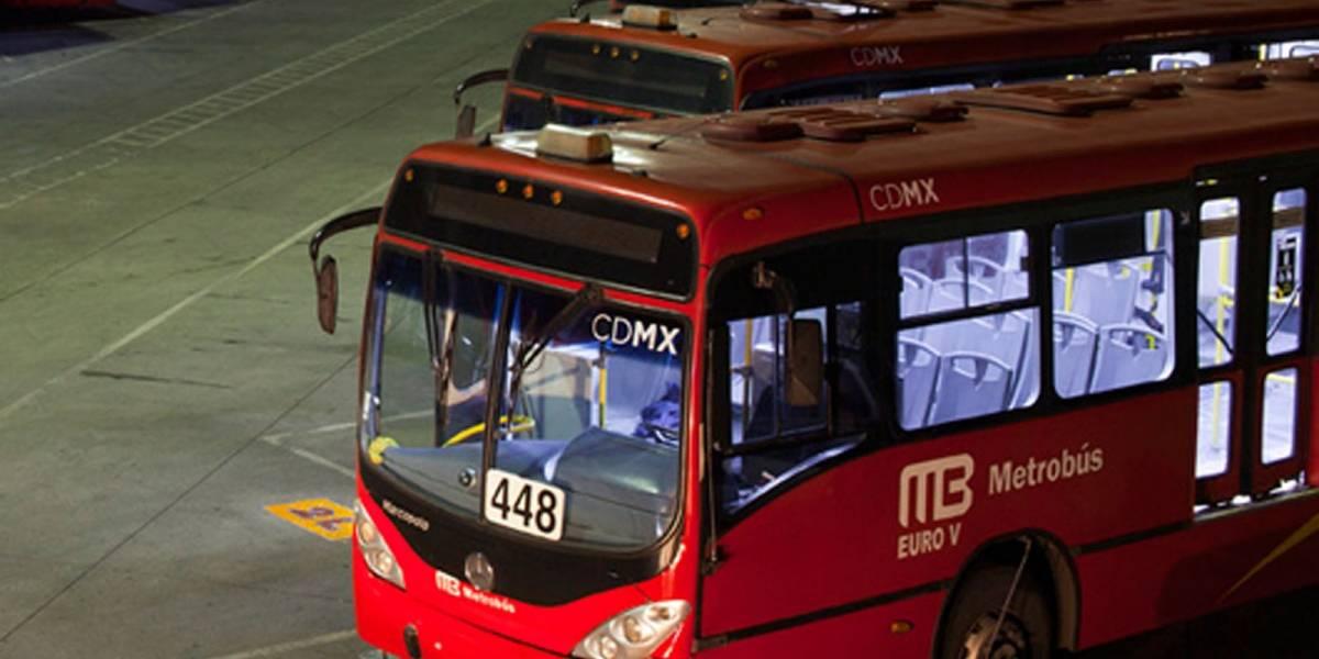 Líneas 1 y 3 de metrobús con estaciones cerradas por obras y el resto presta servicio regular