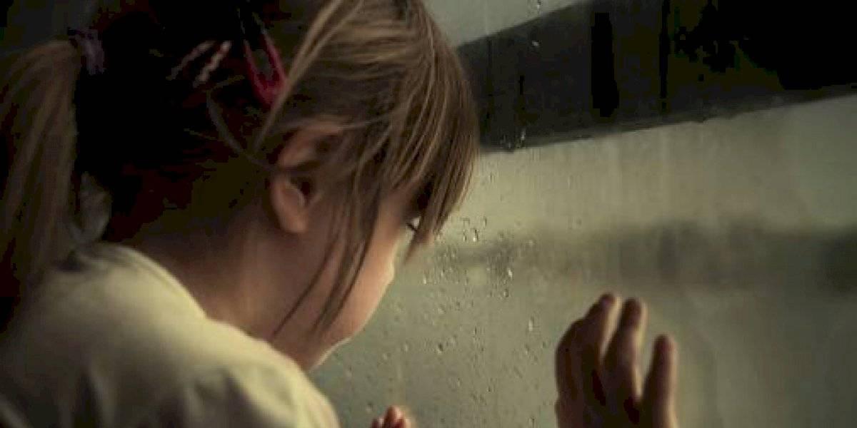 Mujer condenada a 10 años de prisión por transmitir el abuso sexual a su hija por Facebook