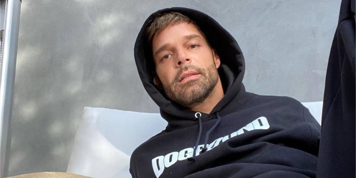 Ricky Martin alborota las redes al descansar sin camisa de los ensayos de su gira