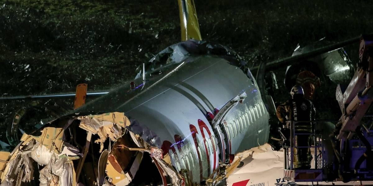 Un muerto y 157 heridos en accidente de avión en Turquía