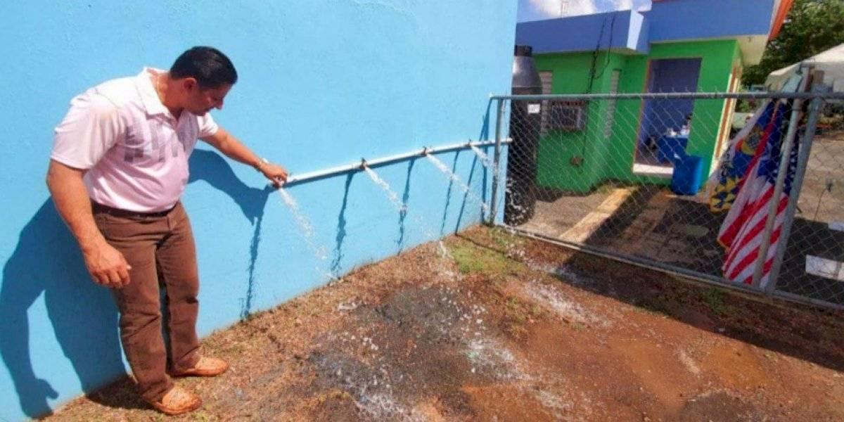 Arecibo instala estaciones de agua para responder a emergencias