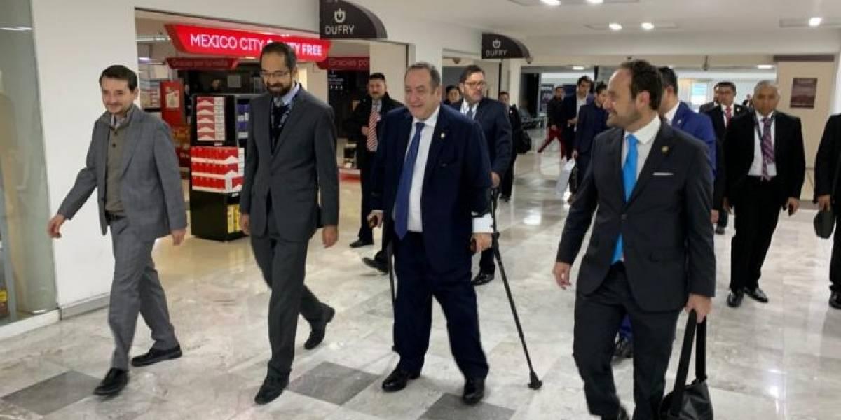 Presidente Alejandro Giammattei viaja a México para reunirse con senadores